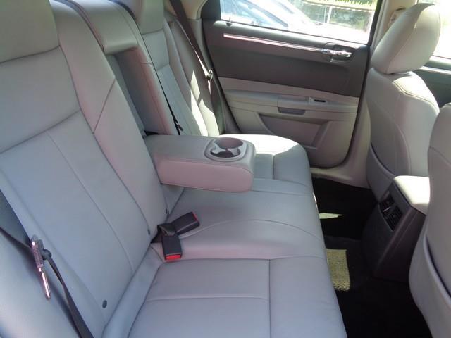 2007 Chrysler 300 Touring 4dr Sedan - Redford MI