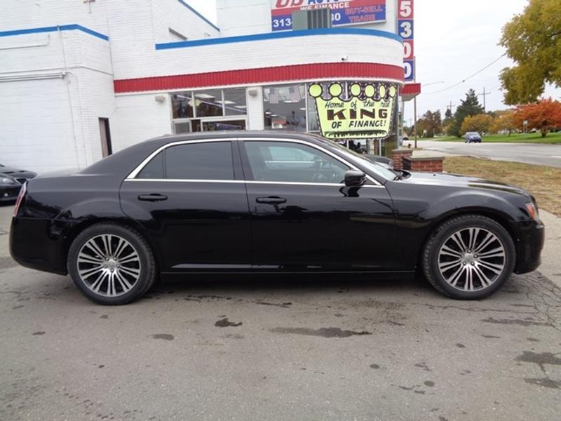 2012 Chrysler 300 car for sale in Detroit