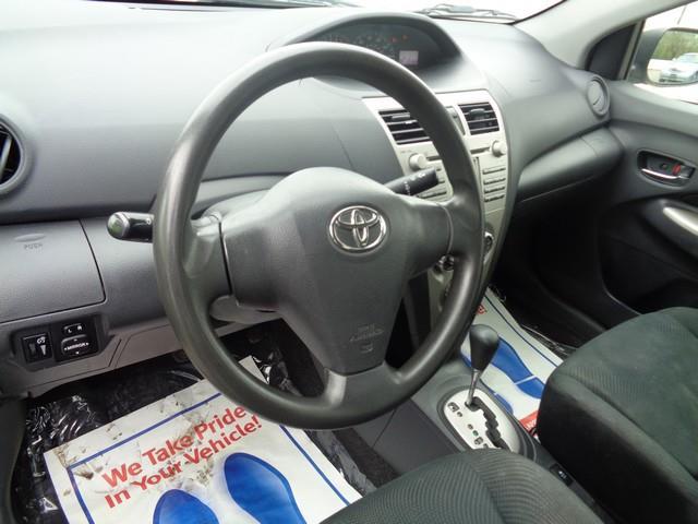 2011 Toyota Yaris 4dr Sedan 4A - Redford MI