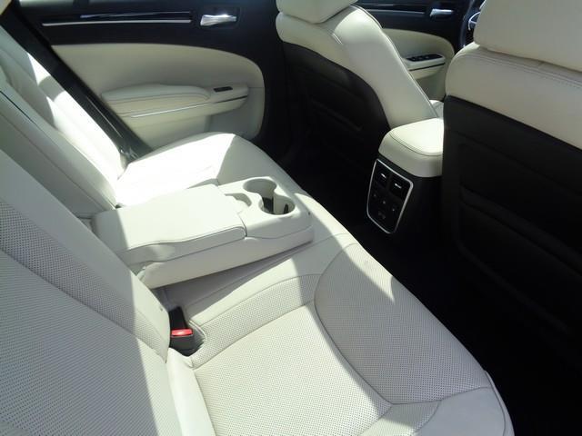 2016 Chrysler 300 C 4dr Sedan - Redford MI