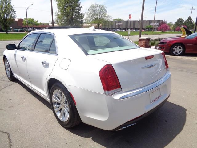 2016 Chrysler 300 C 4dr Sedan - Redford MI