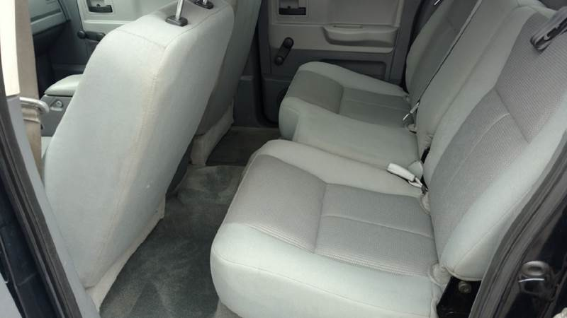 2005 Dodge Dakota 4dr Quad Cab ST 4WD SB - Hickory NC