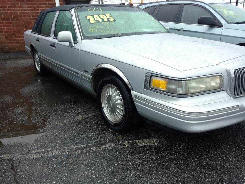 1996 Lincoln Town Car for sale at IMPORT MOTORSPORTS in Hickory NC