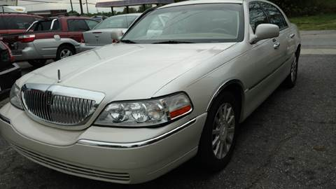 2006 Lincoln Town Car for sale in Hickory, NC