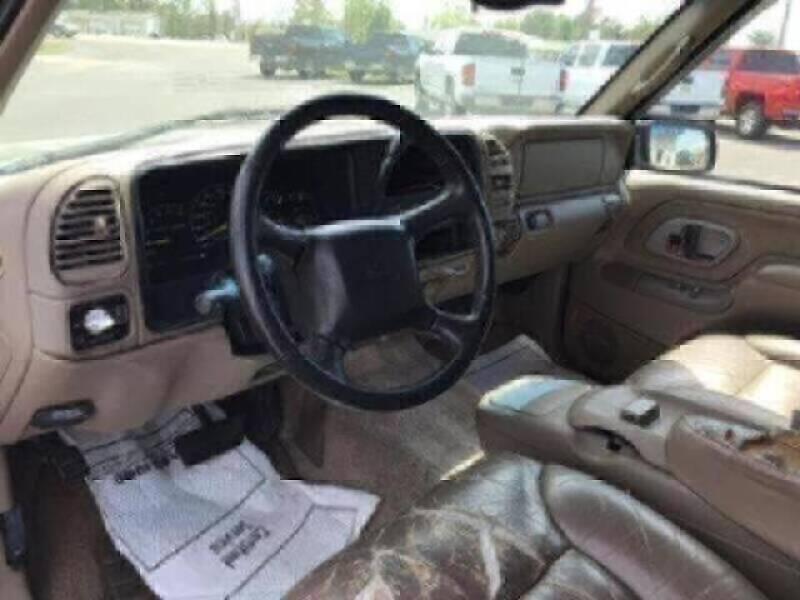 1999 Chevrolet Suburban  - Wynne AR