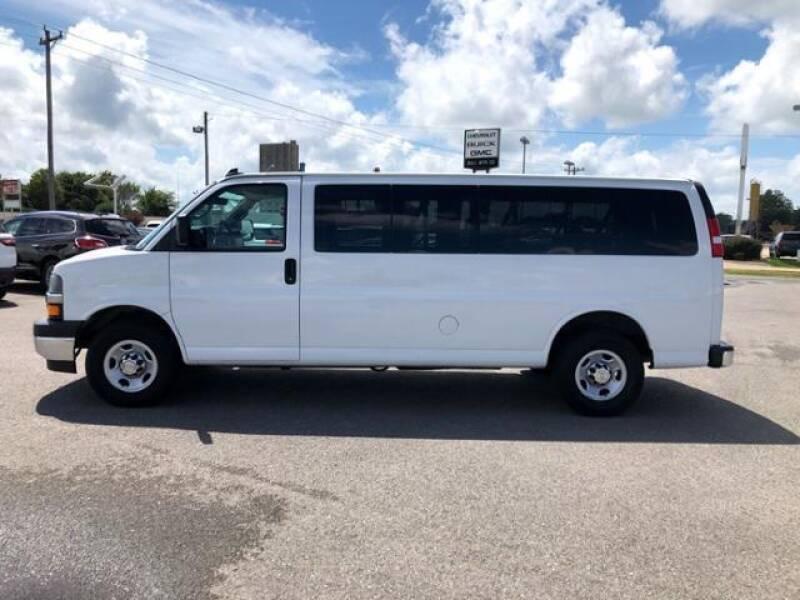 2019 Chevrolet Express Passenger LT 3500 3dr Extended Passenger Van - Wynne AR