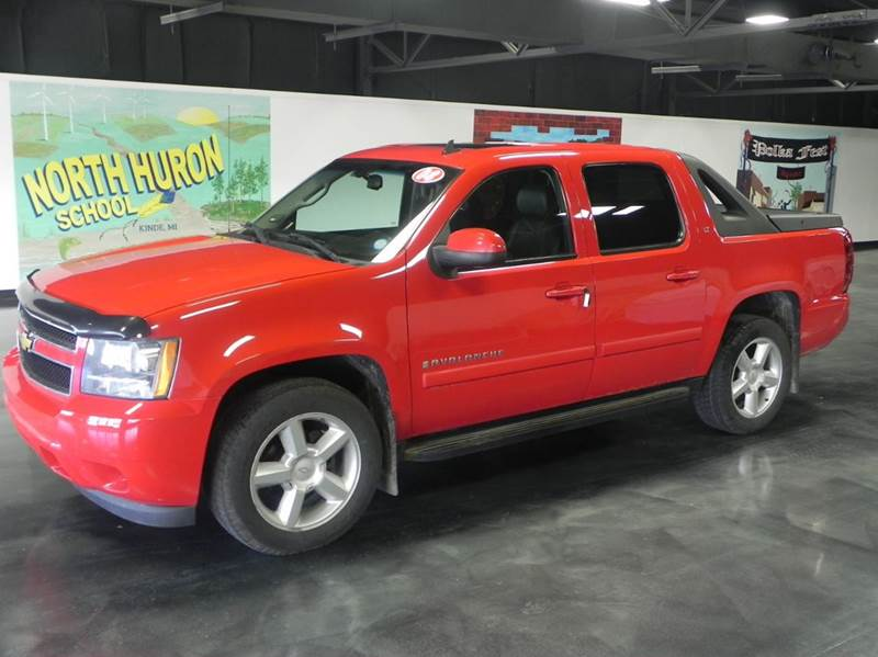 2008 Chevrolet Avalanche for sale at Thompson Car Company in Bad Axe MI