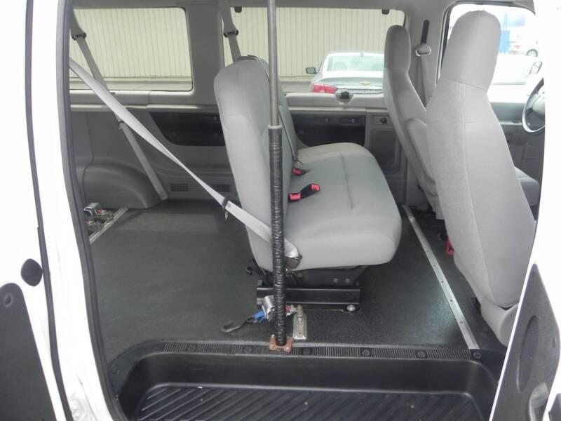 2012 Ford E-Series Wagon E-350 SD XL 3dr Extended Passenger Van - Bad Axe MI