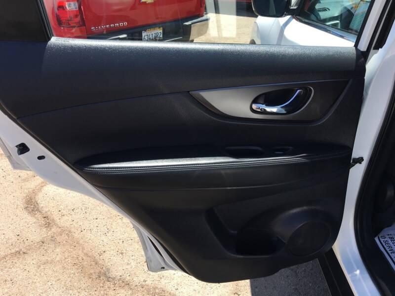 2016 Nissan Rogue SL 4dr Crossover - Pacoima CA