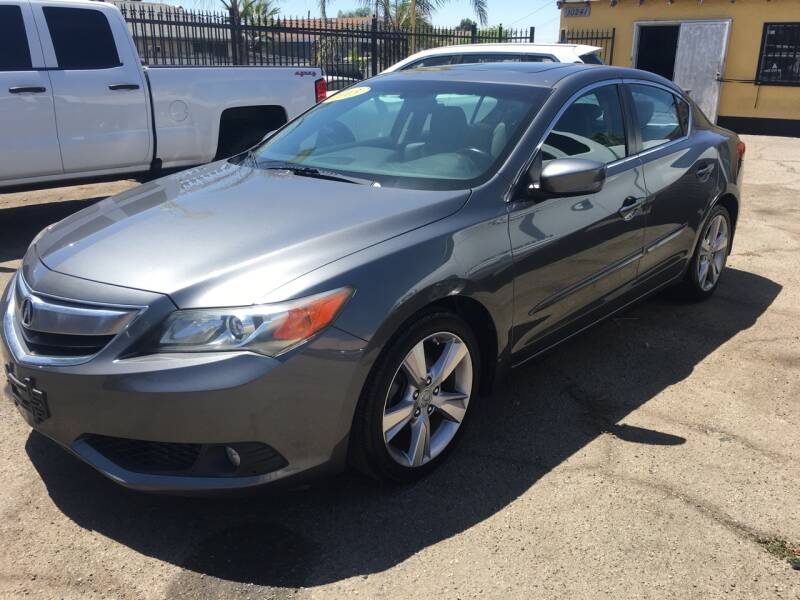 2013 Acura ILX 2.0L 4dr Sedan w/Technology Package - Pacoima CA