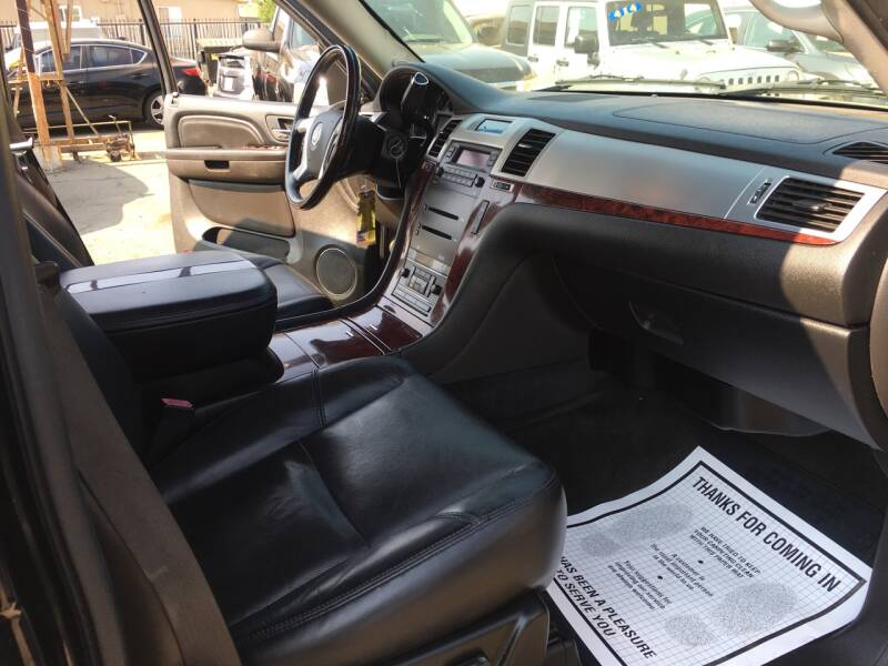 2007 Cadillac Escalade 4dr SUV - Pacoima CA