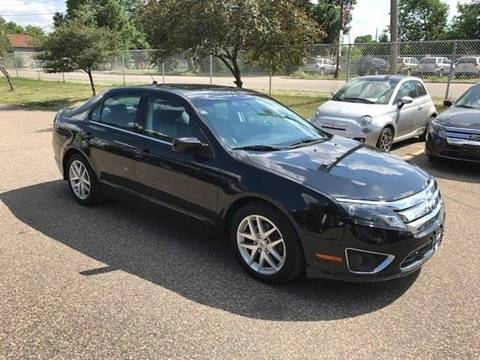 2010 Ford Fusion for sale at GLOBAL AUTO USA in Saint Paul MN