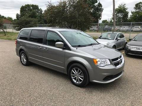 2014 Dodge Grand Caravan for sale at GLOBAL AUTO USA in Saint Paul MN