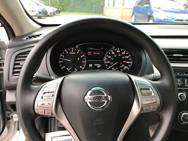 2014 Nissan Altima 2.5 S 4dr Sedan - Saint Paul MN