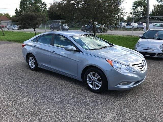 2013 Hyundai Sonata for sale at GLOBAL AUTO USA in Saint Paul MN