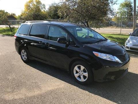 2012 Toyota Sienna for sale at GLOBAL AUTO USA in Saint Paul MN