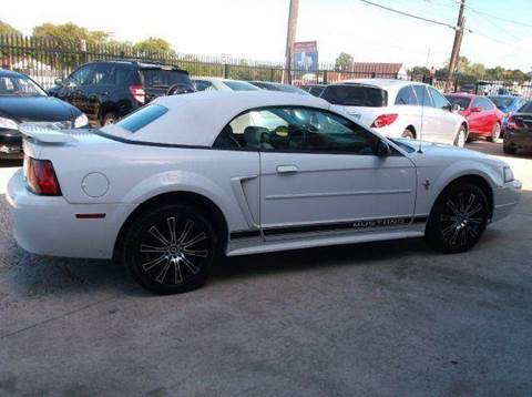 2002 Ford Mustang for sale at N & A Metro Motors in Dallas TX