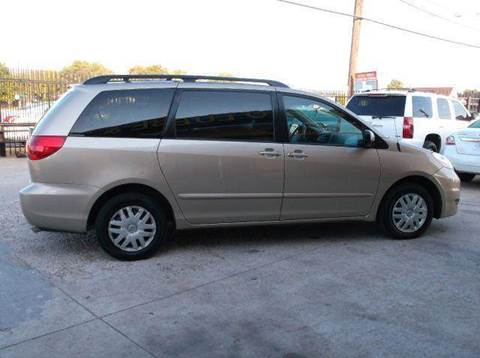 2006 Toyota Sienna for sale at N & A Metro Motors in Dallas TX