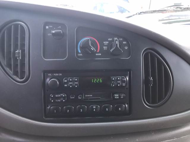 2002 Ford E-Series Cargo E-150 3dr Cargo Van - West Newfield ME