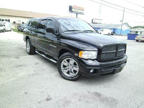 2003 Dodge Ram Pickup 1500 for sale at VICTORY LANE AUTO SALES in Port Richey FL