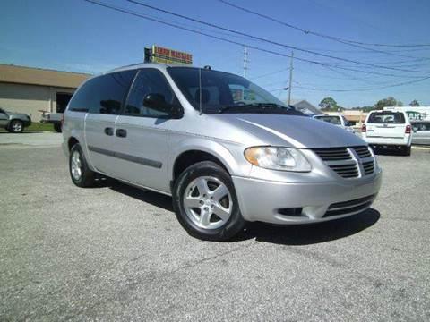 2005 Dodge Grand Caravan for sale at VICTORY LANE AUTO SALES in Port Richey FL