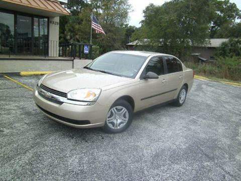 2005 Chevrolet Malibu for sale at VICTORY LANE AUTO SALES in Port Richey FL