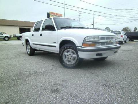 2002 Chevrolet S-10 for sale at VICTORY LANE AUTO SALES in Port Richey FL