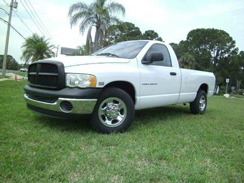 2004 Dodge Ram Pickup 2500 for sale at VICTORY LANE AUTO SALES in Port Richey FL