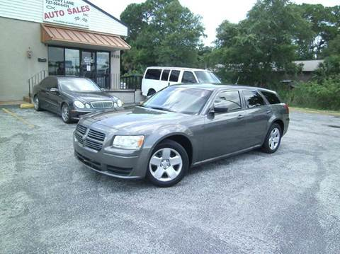 2008 Dodge Magnum for sale at VICTORY LANE AUTO SALES in Port Richey FL