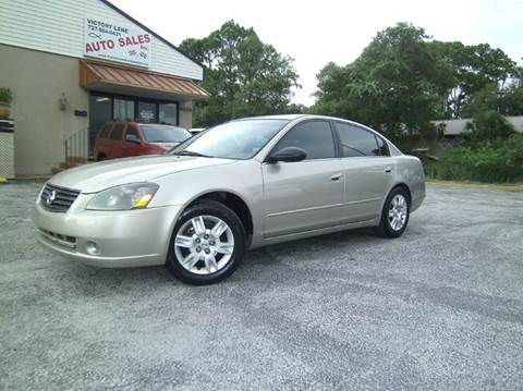 2006 Nissan Altima for sale at VICTORY LANE AUTO SALES in Port Richey FL