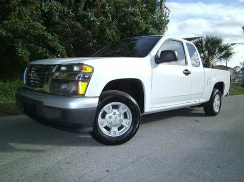 2004 GMC Canyon for sale at VICTORY LANE AUTO SALES in Port Richey FL