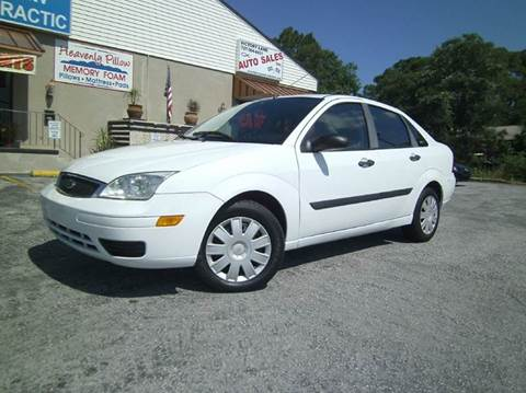 2007 Ford Focus for sale at VICTORY LANE AUTO SALES in Port Richey FL