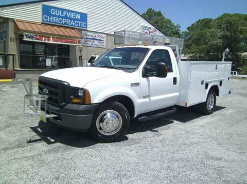 2007 Ford F-350 Super Duty for sale at VICTORY LANE AUTO SALES in Port Richey FL
