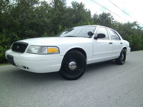2011 Ford Crown Victoria for sale at VICTORY LANE AUTO SALES in Port Richey FL