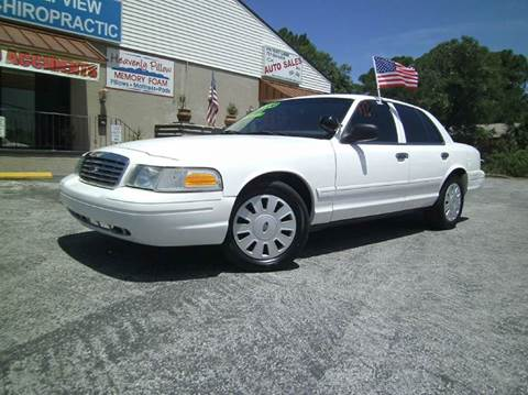 2006 Ford Crown Victoria for sale at VICTORY LANE AUTO SALES in Port Richey FL