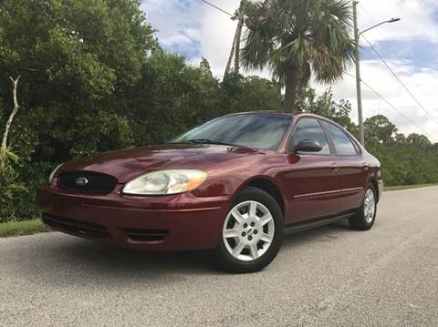 2004 Ford Taurus for sale at VICTORY LANE AUTO SALES in Port Richey FL