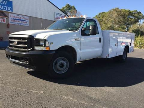 2004 Ford F-350 Super Duty for sale at VICTORY LANE AUTO SALES in Port Richey FL