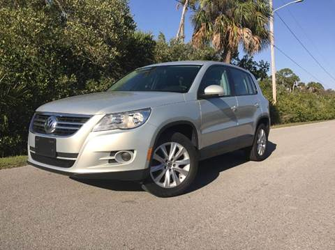 2010 Volkswagen Tiguan for sale at VICTORY LANE AUTO SALES in Port Richey FL