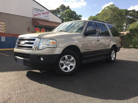 2007 Ford Expedition for sale at VICTORY LANE AUTO SALES in Port Richey FL