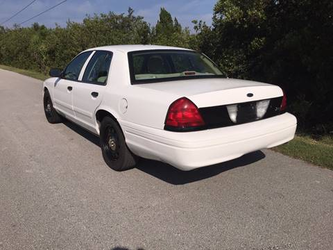 ... 2010 Ford Crown Victoria