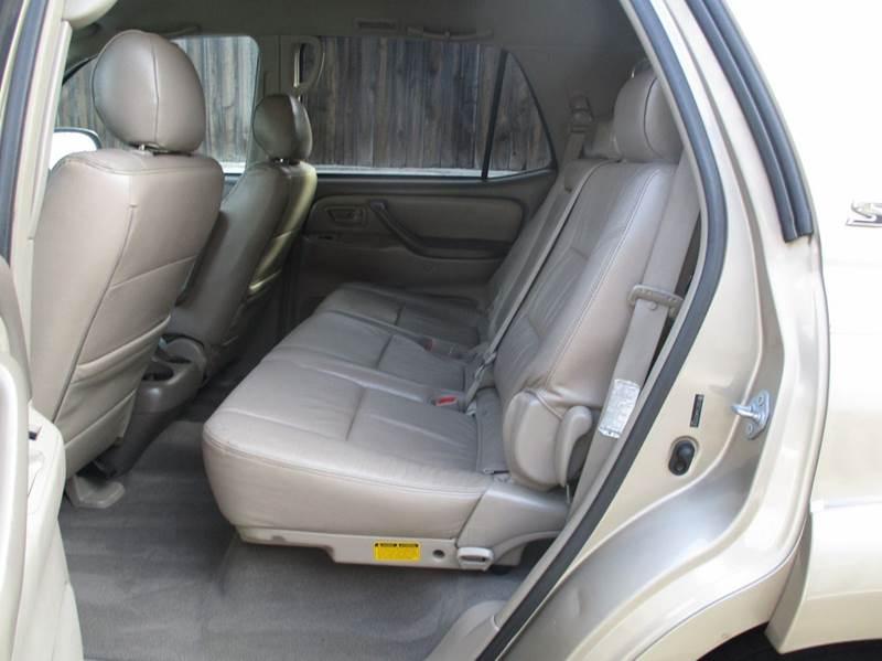 2005 Toyota Sequoia SR5 4dr SUV - Fair Oaks CA