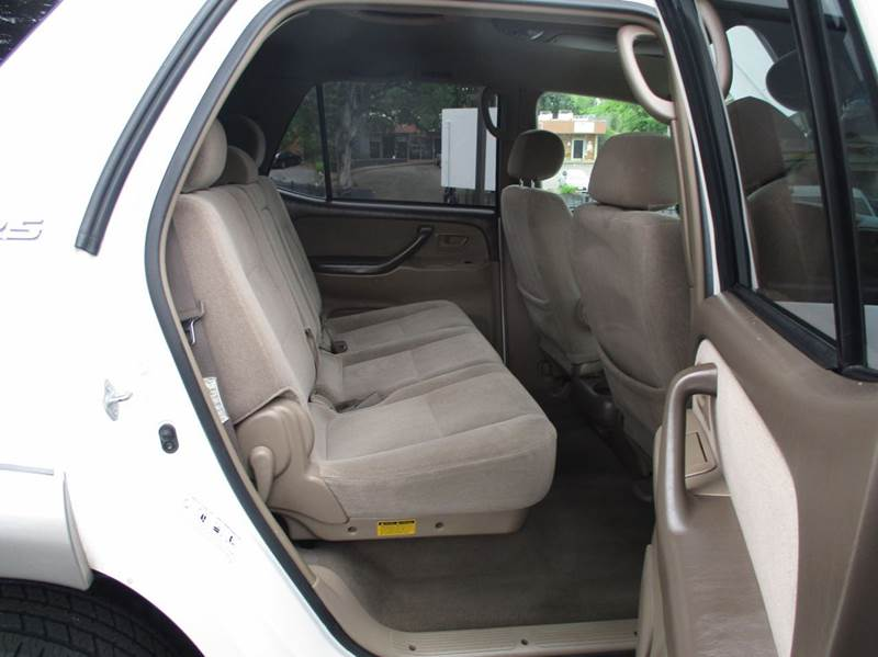 2004 Toyota Sequoia SR5 4dr SUV - Fair Oaks CA