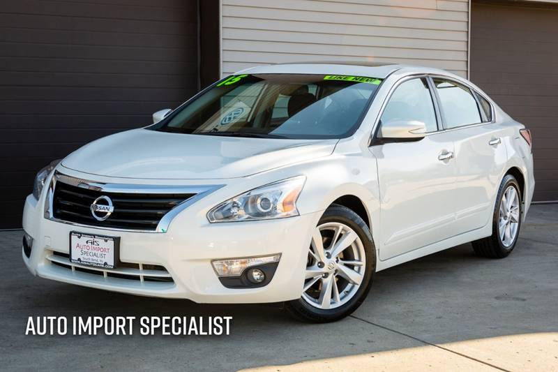 2015 Nissan Altima for sale at Auto Import Specialist LLC in South Bend IN