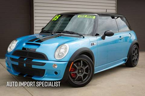 2005 MINI Cooper for sale at Auto Import Specialist LLC in South Bend IN