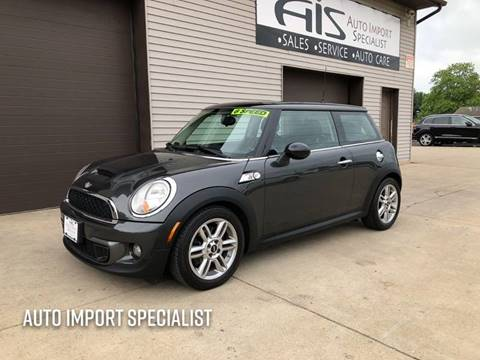 2011 MINI Cooper for sale at Auto Import Specialist LLC in South Bend IN