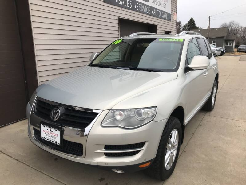 2010 Volkswagen Touareg for sale at Auto Import Specialist LLC in South Bend IN