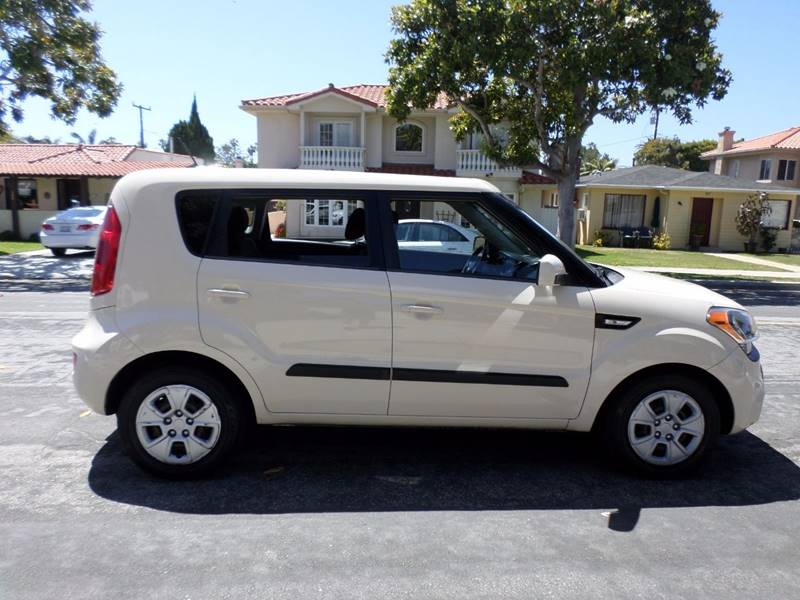 2012 Kia Soul for sale at RonRoss Motors - Current Inventory in Redondo Beach CA