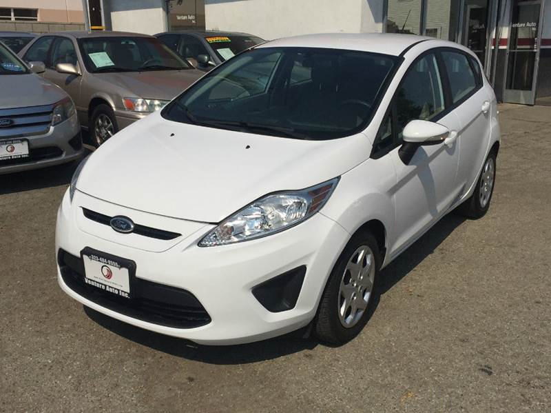 2013 ford fiesta se 4dr hatchback in bell ca venture. Black Bedroom Furniture Sets. Home Design Ideas