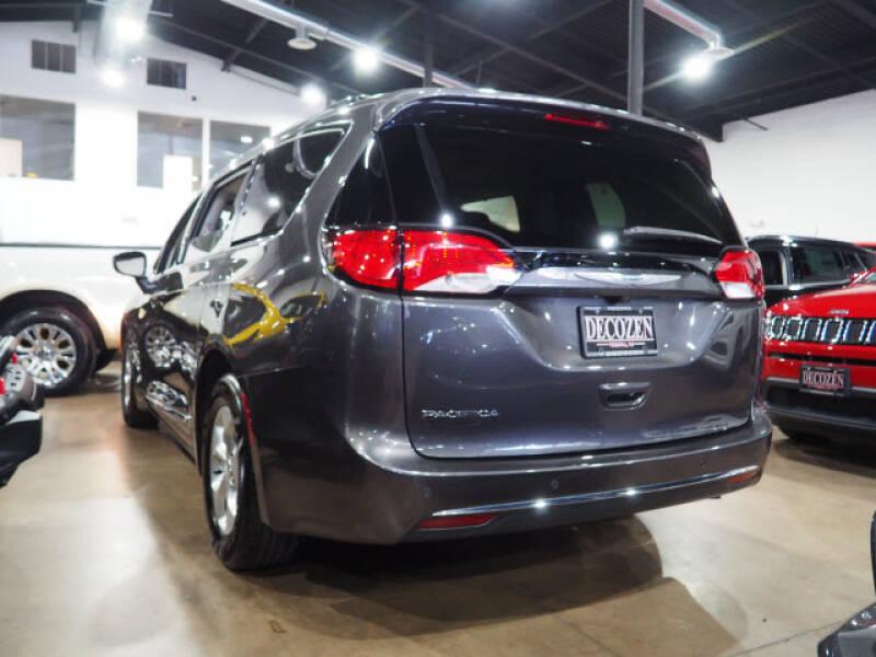 2017 Chrysler Pacifica Touring-L Plus 4dr Mini-Van - Montclair NJ