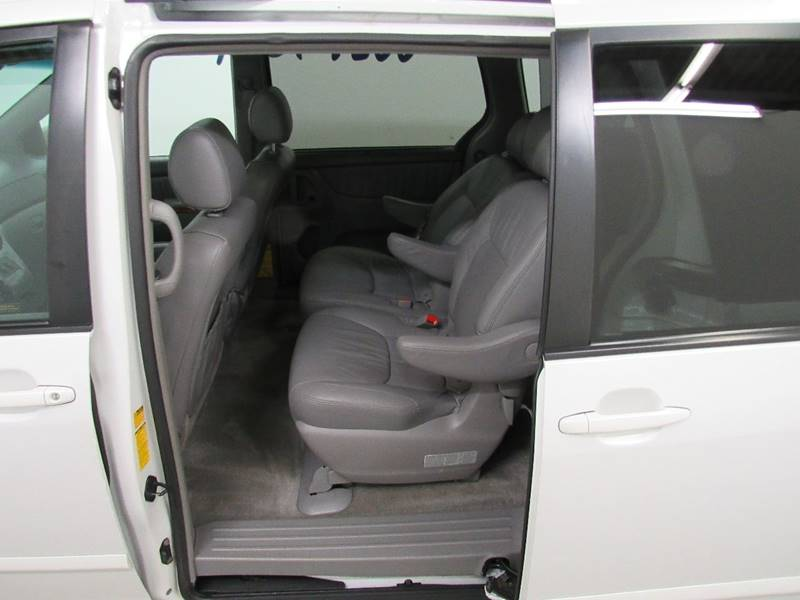 2008 Toyota Sienna for sale at Premier Automotive Group in Milford OH